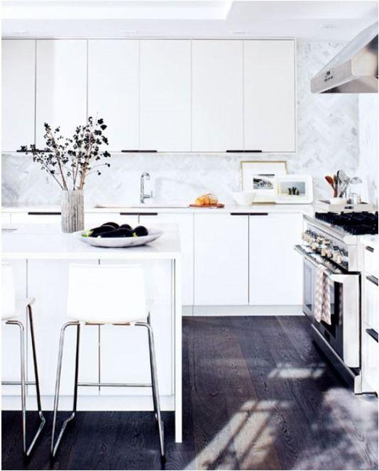 white-kitchen-ikea-thebudgetista