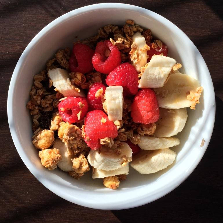 haute healthy granola bowl